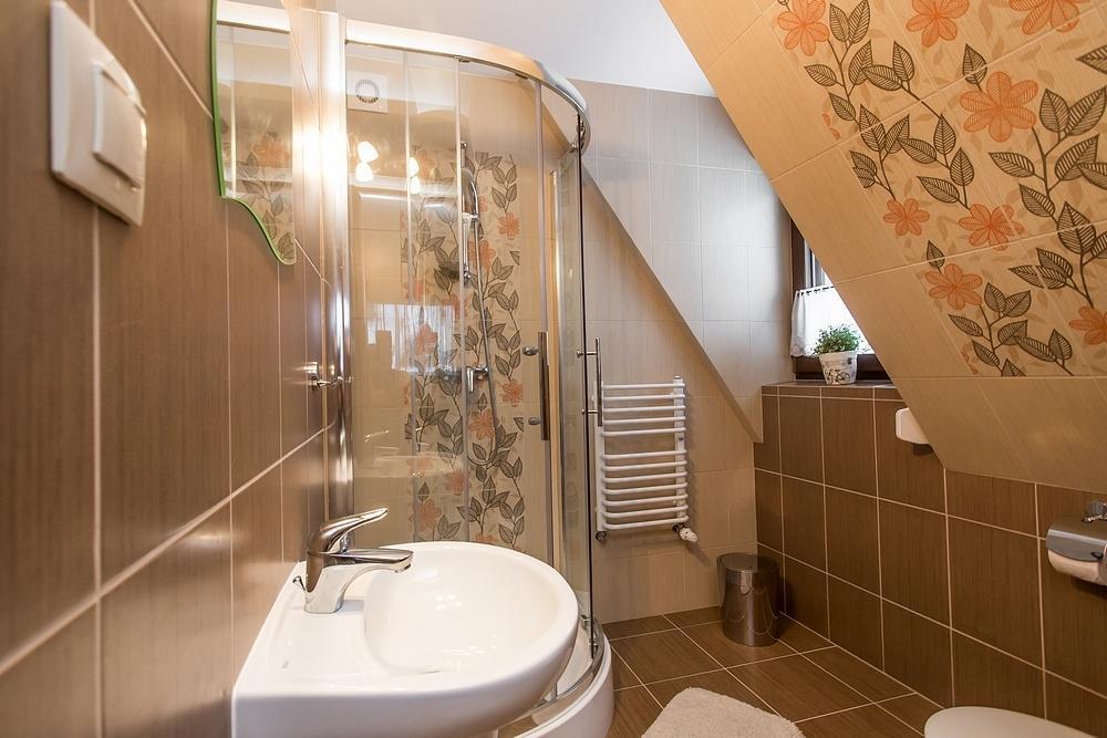 Prysznic w łazience groń białka tatrzańska